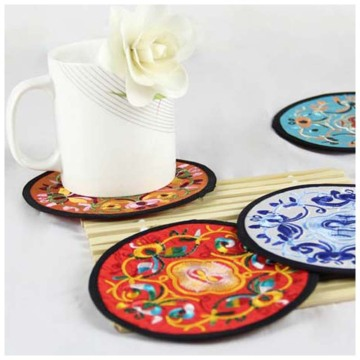 Embroidery Flower Cup Mat for Table