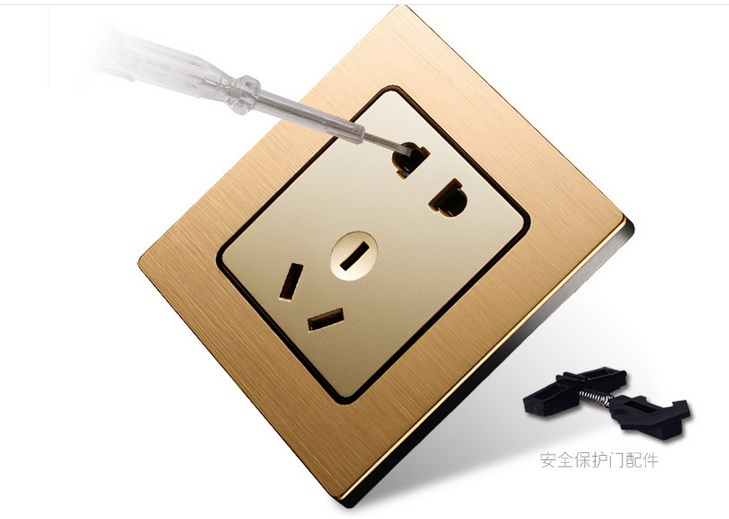 5 Outlet Socket