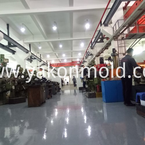 Plastic mold auto lighting