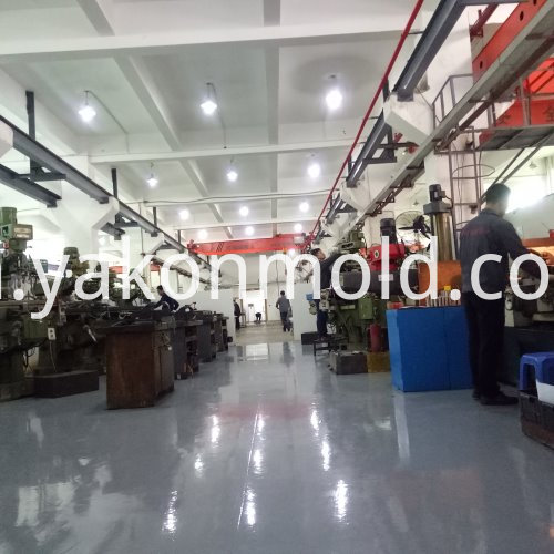Plastic injection mould auto spare