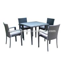 4 plazas de muebles de comedor al aire libre establece la tabla de madera de plástico inserto