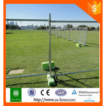 Temporary fence with plastic feet