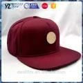 Simples metal badge 5 painel burgundy snapback cap