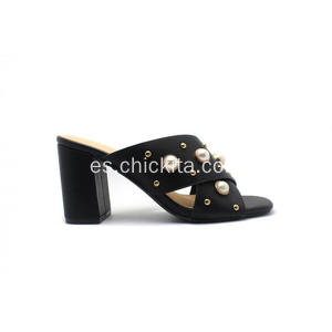 Adornos de perlas X Band High Heel