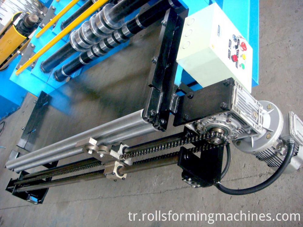 Floor deck roll forming machine