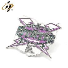 Forma barata de prata esmalte de metal glitter pin badge distintivo da china