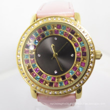 2014 Factory OEM Fashion Frauen neue Art Diamante Watch