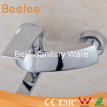 Wall Mounted Durable Brass Bath Shower Faucet with Long Spout