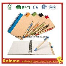 Школьные и офисные канцелярские принадлежности с ноутбуком