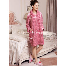 Lustiges gedrucktes Korallen-Fleece-Pyjama-Kleid