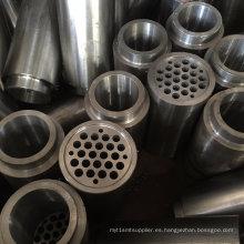 Reborde perforado y mecanizado