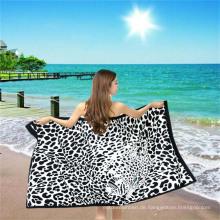 Sexy Strandtuch mit Leopardenmuster aus Mikrofaser