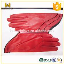 Les femmes font de la mode des gants en cuir courtes classiques à la peau d'agneau rouge
