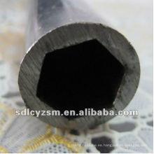 tubo de acero en hexágono fuera del círculo