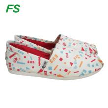 новый дизайн горячий продавать холст обувь для девочек