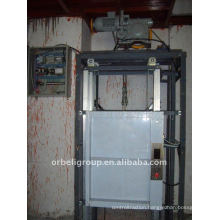 dumbwaiter elevator/lift