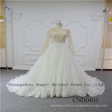 Bonito encaje con vestido de novia con cuentas