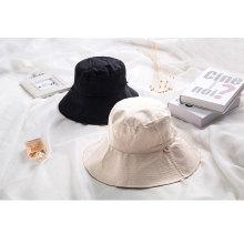 Модная женская шляпка для гольфа