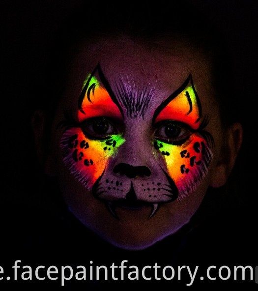 Uv/neon Face Paint