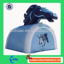 Publicité à la vente publicitaire tunnel gonflable à cheval