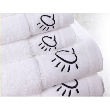hot photo, embroidery design 450 gram 100% Cotton Bath Towel from china supplier,white