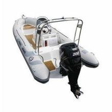 Barco de pesca de costilla