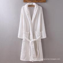 Robe en peluche en polypropylène 100% polyester
