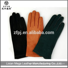 2015 hot selling Woman Putting On Leather Gloves
