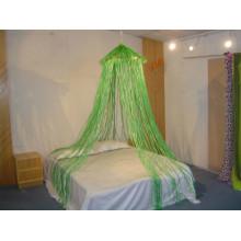 Decoração de relva na cama Canopy