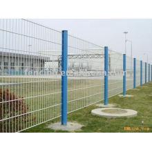clôture de treillis métallique de manière élevée (usine)