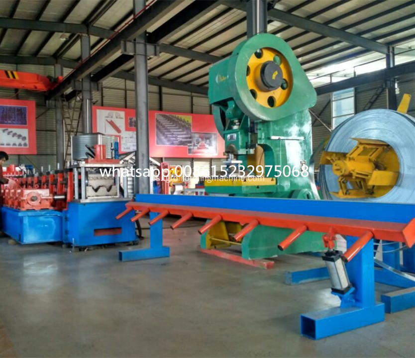 Buena calidad Highway Guardrail Roll Forming Machine
