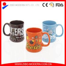 Taza de chocolate Taza de cerámica de forma especial con diseño de calcomanías de marca