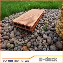 Suelo impermeable de superficie lisa WPC para la aplicación del jardín