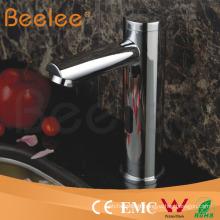 Robinet électrique de lavabo de bassin de salle de bains de cascade de salle de bains