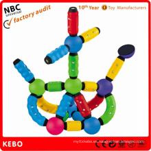 Varillas magnéticas del plástico del juguete