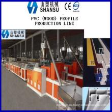 PRODUCCIÓN DEL PERFIL DE LA VENTANA DE LA PUERTA DEL PVC Producción del perfil de la MAD DEL PVC LIN Máquina de composit del plástico de madera de la máquina
