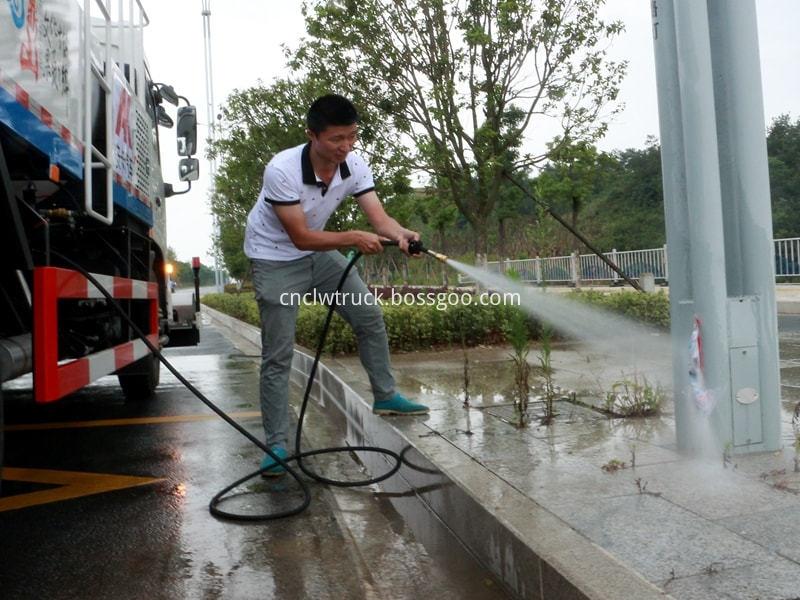 high pressure water jetting truck working 5