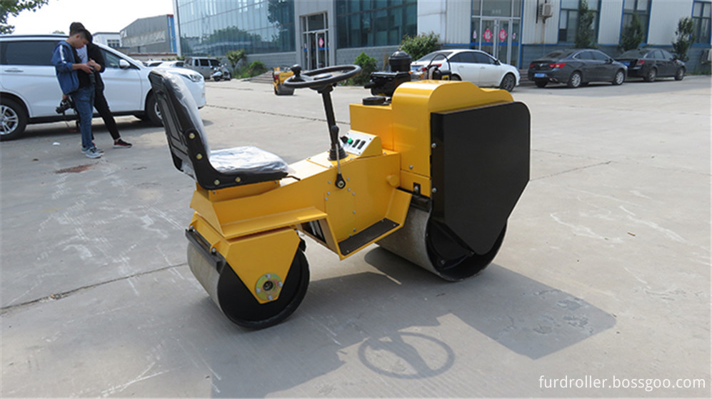 FYL-820 Vibratory Roller