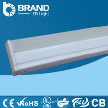 Machen in China besten Preis warmes weißes Porzellan 2Jahre quadratischer PC führte Schlauchlicht