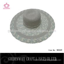 Motifs de chapeaux de robes de soleil pour femmes