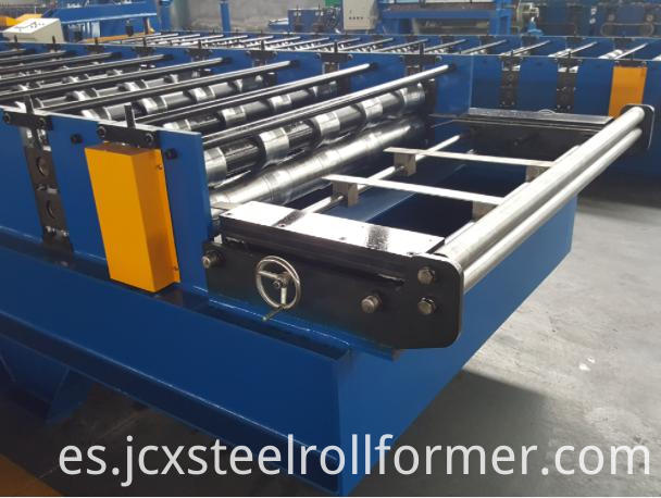 roll forming machine guiding device