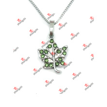 Hot Sale Green Maple Leaf Charms Jewelry Necklace (LKS60128)