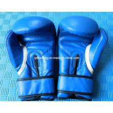 Боксерская перчатка для тренировок и соревнований