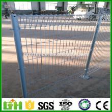 Panneaux de clôture galvanisés à chaud et à faible teneur en carbone GM Lowes