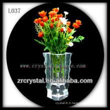 Beau vase en cristal L037