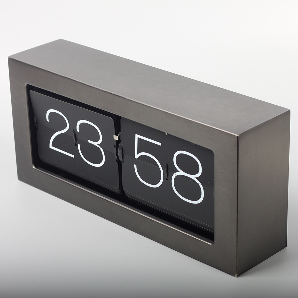 Clock With Flip Numbers