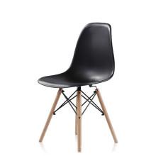 Popular PP asiento de plástico piernas de madera de haya comedor sillas venta barata