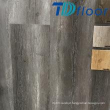 Assoalho interno composto plástico de superfície do PVC de WPC da madeira de carvalho