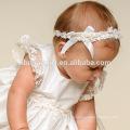 Weiße Satin Blumen Kleinkinder Kleider mit Hut Western Baby Mädchen Infant Taufe Kleid