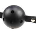 Bandage en cuir noir et doux avec une boule de silicone souple Ball Sex Game Tool Ball Gag